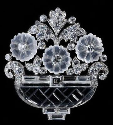 カルティエNY製作の花かごのブローチ