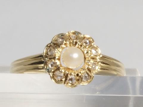 デイジーのアンティーク指輪(天然真珠)