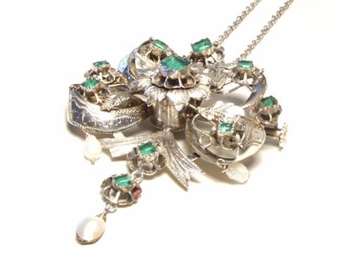 エメラルドペンダントネックレス(真珠、19世紀フランス、ヴェルメイユ)