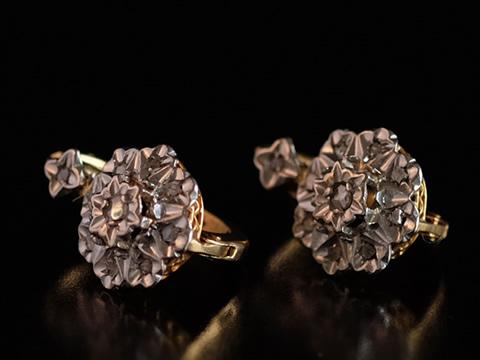 ダイヤモンドアンティークピアス(花、クラスターピアス、金細工)