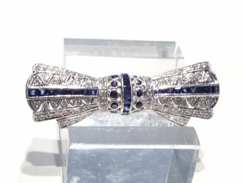 ブルーサファイアアールデコブローチ(ダイヤモンド、カリブレカット)