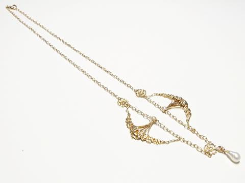ヒナギクのネックレス(デイジー、バロック真珠、アールヌーボー)
