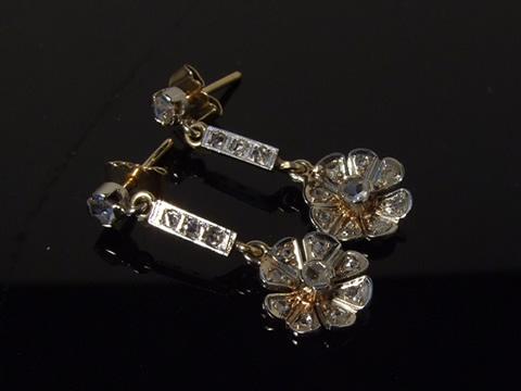 アンティーククラスターピアス(ダイヤモンド、お花、ゴールドとプラチナ)