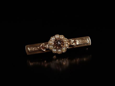アンティーククラスターブローチ(ローズカットダイヤモンドと天然真珠)