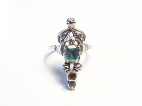 18世紀エメラルドリング(スクエアカットエメラルド、ダイヤモンド、銀)