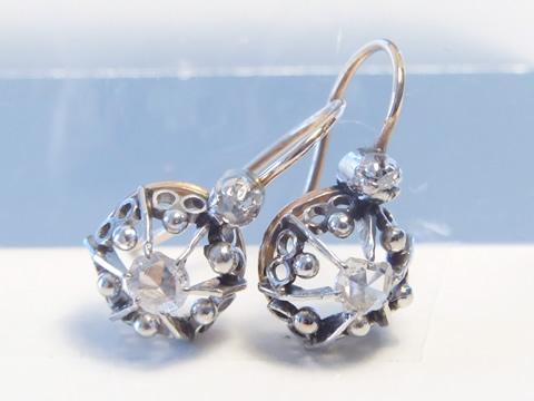 アンティークローズカットダイヤモンドピアス(金細工、彫金、幾何学的)