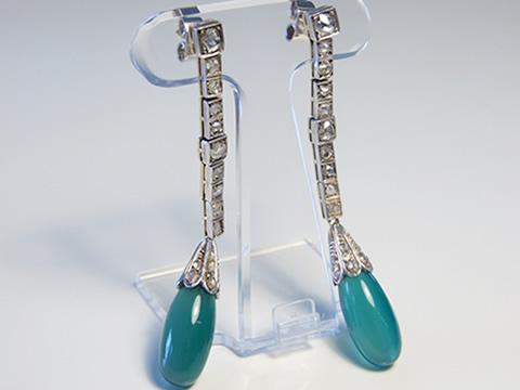 クリソプレーズとダイヤモンドの超ロングピアス(1920年頃フランス、クリソプレーズ、18金ゴールド)