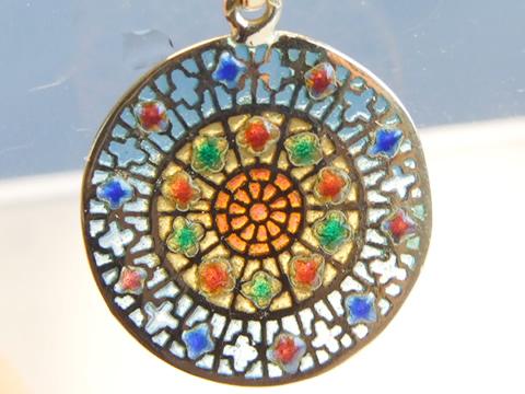 7色のプリカジュールエナメルのアンティークペンダント(ステンドグラス)