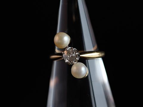 天然パールとダイヤモンドのリング(バイカラー、フランス)
