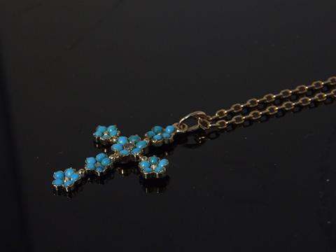 トルコ石クロスペンダント(ダイヤモンド、 勿忘草、1820-1830年頃フランス)