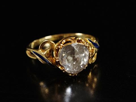 大粒ローズカットダイヤモンドの指輪(ブルーエナメル、18金)