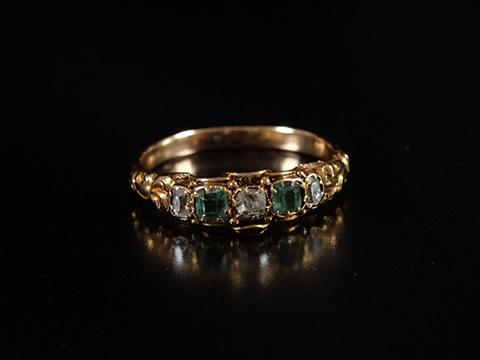 アーリーヴィクトリアン エメラルド指輪(ダイヤモンド 15ctゴールド)
