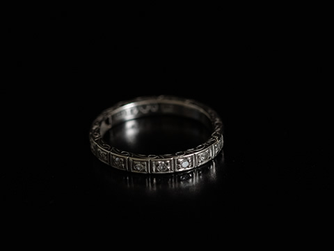 スウェーデン製アンティークエタニティダイヤモンド指輪(18ctゴールド)