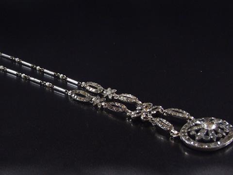 18世紀ペーストガラスネックレス(銀とスティール)