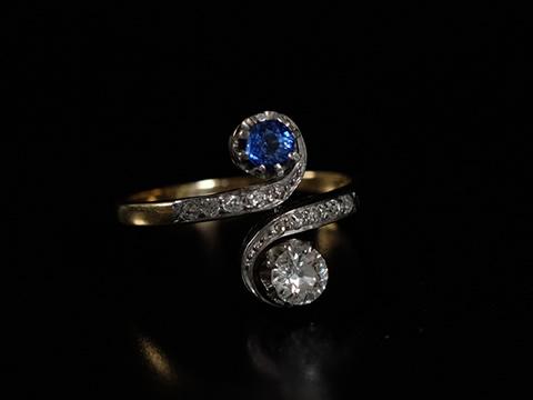 コーンフラワーブルーサファイヤ アンティーク指輪(矢車草色 ダイヤモンド)