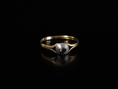 17世紀テーブルカットダイヤモンド指輪(17世紀末 銀と18カラットゴールド)